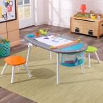 Kidkraft puidust joonistuslaud-tahvel koos toolidega