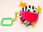 Hencz Toys vibreeriv riputatav pall roosa