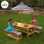 KidKraft puidust piknikulaud pinkide ja päikesevarjuga