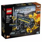 LEGO Technic koparattaga ekskavaator